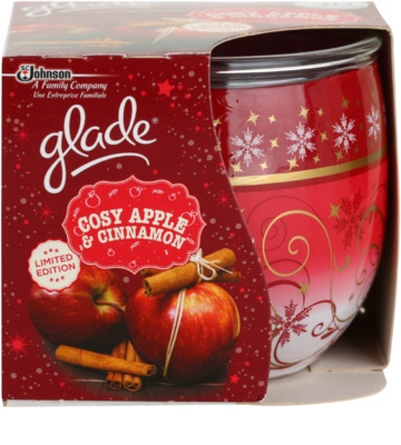 Glade Cosy Apple & Cinnamon ароматна свещ