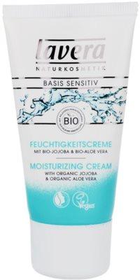 Lavera Basis Sensitiv crema de día hidratante  para pieles sensibles