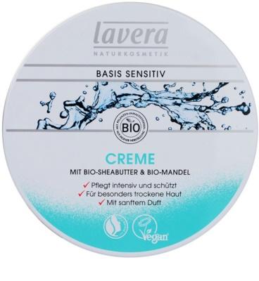 Lavera Basis Sensitiv crema de día  hidratante y nutritiva  para pieles secas