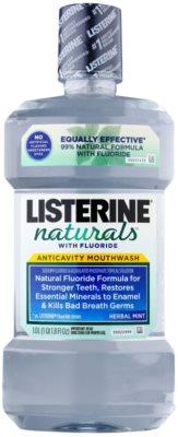 Listerine Naturals Herbal Mint antiszeptikus szájvíz fluoriddal