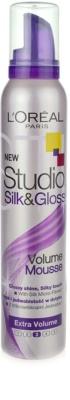 L'Oréal Paris Studio Line Silk&Gloss Volume pěna pro objem a lesk
