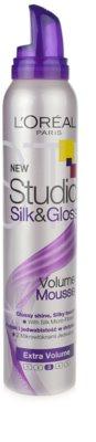 L'Oréal Paris Studio Line Silk&Gloss Volume pena za volumen in sijaj 1