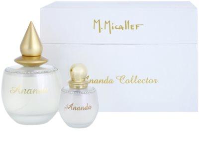 M. Micallef Ananda ajándékszett