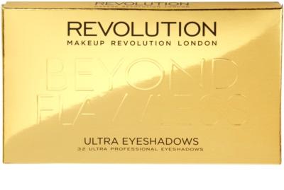 Makeup Revolution Beyond Flawless Palette mit Lidschatten 2