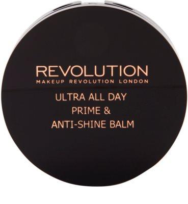 Makeup Revolution Ultra All Day Basis und Puder in einem 2