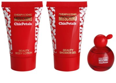Moschino Cheap & Chic  Chic Petals Gift Sets 1
