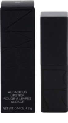 Nars Audacious barra de labios efecto seda 3