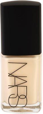 Nars Make-up течен фон дьо тен за озаряване на лицето