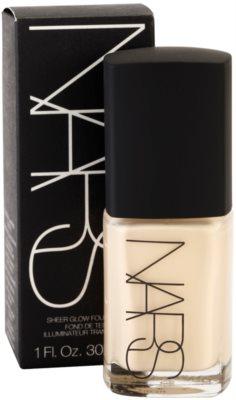Nars Make-up base líquida para pele radiante 2