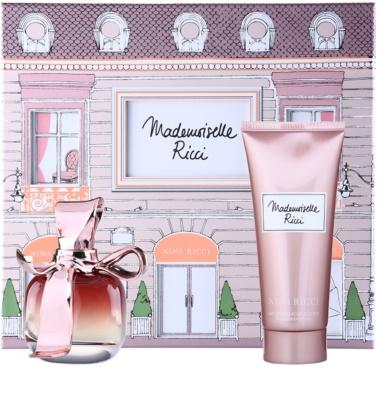 Nina Ricci Mademoiselle Ricci ajándékszett
