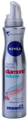 Nivea Diamond Volume Schaumfestiger für Volumen und Glanz 1