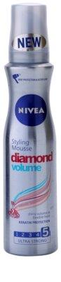 Nivea Diamond Volume пяна втвърдител за обем и блясък