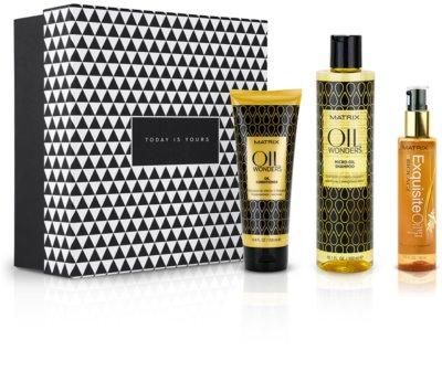 Notino Moc olejków uniwersalna ochrona do wszystkich rodzajów włosów od marki Matrix