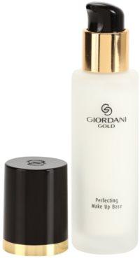 Oriflame Giordani Gold основа под фон дьо тен за освежаване и изглаждане на кожата 1