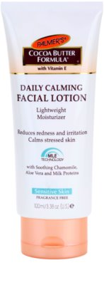 Palmer's Face & Lip Cocoa Butter Formula crema hidratante ligera  para calmar la piel