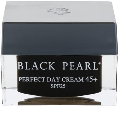 Sea of Spa Black Pearl зволожуючий денний крем 45+