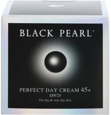 Sea of Spa Black Pearl Feuchtigkeitsspendende Tagescreme 45+ 3