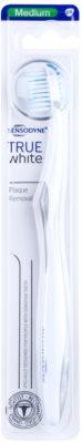 Sensodyne True White cepillo de dientes medio