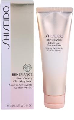 Shiseido Benefiance нежна почистваща пяна с хидратиращ ефект 1