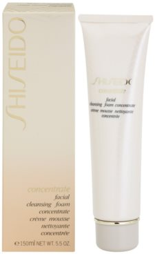 Shiseido Concentrate почистваща пяна  за суха или много суха кожа 1