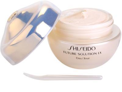 Shiseido Future Solution LX denní ochranný krém proti stárnutí pleti SPF 15 3