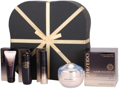 Shiseido Future Solution LX lote cosmético IV.