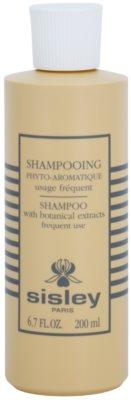 Sisley Hair Care finom állagú tisztító sampon esszenciális olajokkal