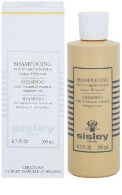 Sisley Hair Care делікатний очищуючий шампунь з есенціальними маслами 1