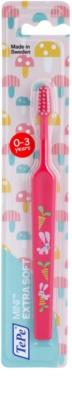 TePe Mini Escova de dentes para crianças com cabeça pequena em formato de cone extra suave