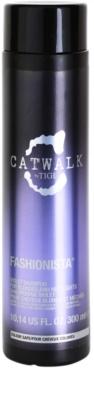 TIGI Catwalk Fashionista sampon violet pentru parul blond cu suvite