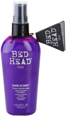 TIGI Bed Head Dumb Blonde zaščitno tonirano pršilo za blond lase