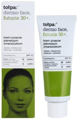 Tołpa Dermo Face Futuris 30+ crema de día para las primeras arrugas SPF 15 1