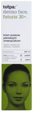 Tołpa Dermo Face Futuris 30+ crema de día para las primeras arrugas SPF 15 3