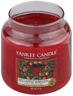 Yankee Candle Red Apple Wreath vonná svíčka  Classic střední 1
