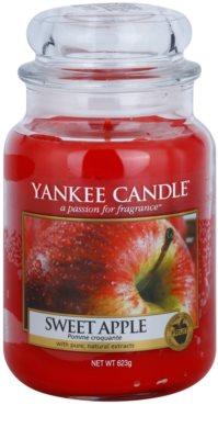 Yankee Candle Sweet Apple ароматна свещ   Classic голяма