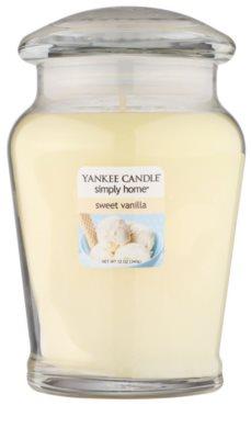 Yankee Candle Sweet Vanilla ароматна свещ   среден