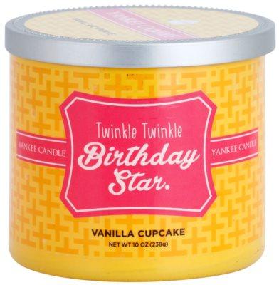 Yankee Candle Vanilla Cupcake illatos gyertya    (Twinkle Twinkle Birthday Star)