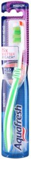 Aquafresh 3 Way Head escova de dentes medium