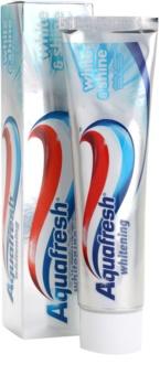 Aquafresh Whitening fogkrém A fényes fehér fogakért