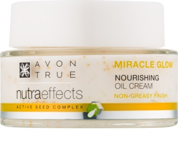 Avon True NutraEffects rozjasňující krém s vyživujícím účinkem