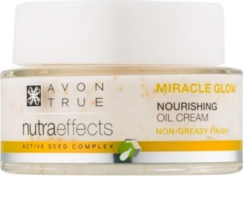 Avon True NutraEffects rozjasňujúci krém s vyživujúcim účinkom