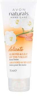Avon Naturals Hand Care делікатне молочко для рук з мигдалем та конвалією