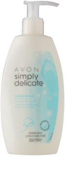 Avon Simply Delicate sprchový gel na intimní hygienu