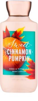 Bath & Body Works Sweet Cinnamon Pumpkin tělové mléko pro ženy 236 ml