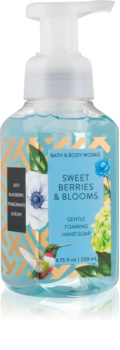 Bath & Body Works Sweet Berries & Blooms pěnové mýdlo na ruce