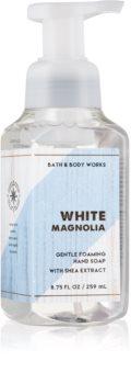 Bath & Body Works White Magnolia mydło w piance do rąk