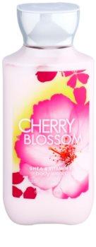 Bath & Body Works Cherry Blossom mleczko do ciała dla kobiet 236 ml