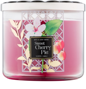 Bath & Body Works Sweet Cherry Pie lumânare parfumată  411 g