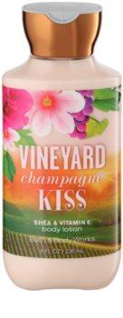 Bath & Body Works Vineyard Champagne Kiss telové mlieko pre ženy 236 ml