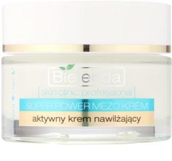 Bielenda Skin Clinic Professional Moisturizing creme rejuvenescedor hidratante para todos os tipos de pele